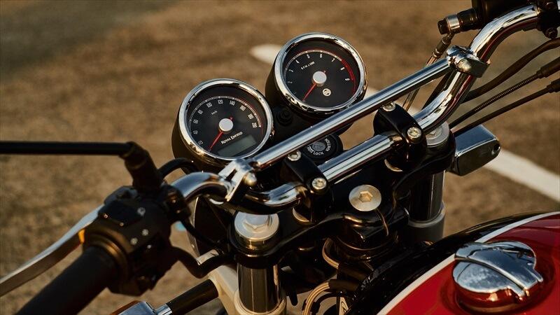 オンロードバイクでのハンドルブレース