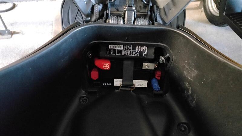 PCXバッテリーはラゲッジボックスからアクセス可能