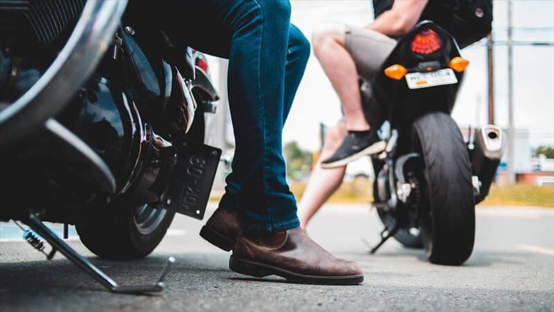 足元を見せたくなるおすすめ革バイクブーツ
