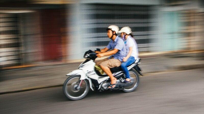 二人乗りで高速を走るコツ