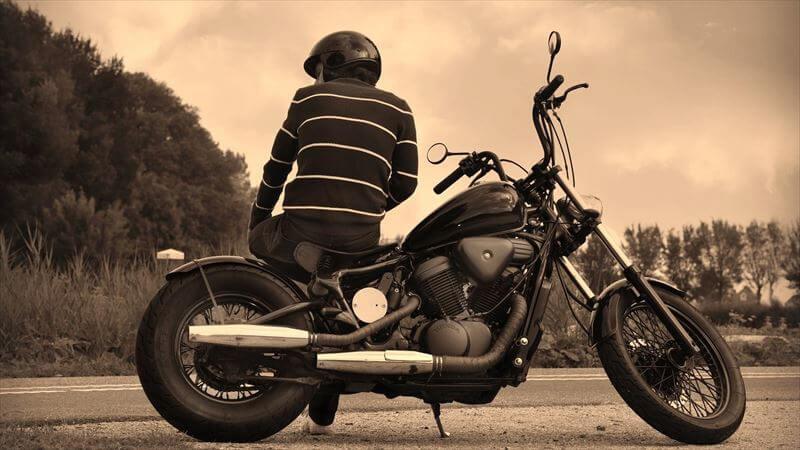 バイクの風にさらされて