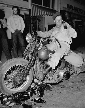 アウトローなバイクたち