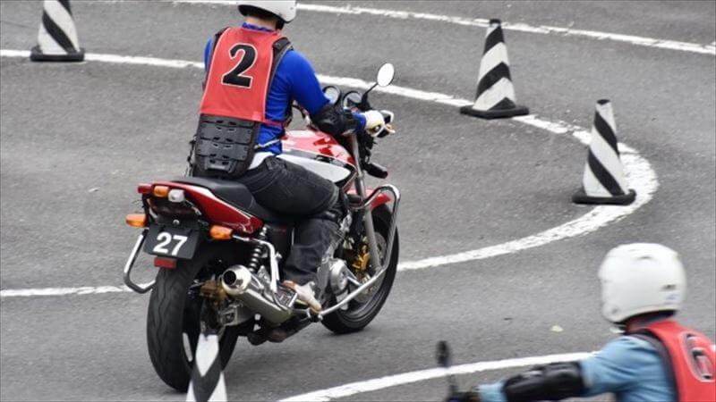バイクには仮免許の仕組みが無いため