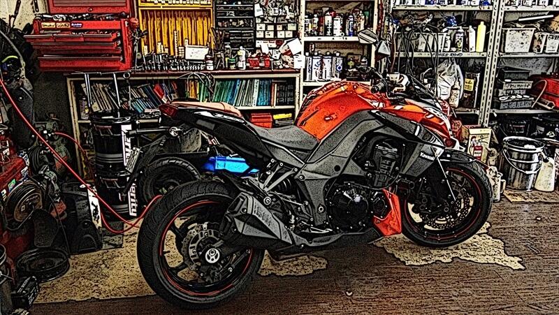 各社のバイクガレージの特徴と比較