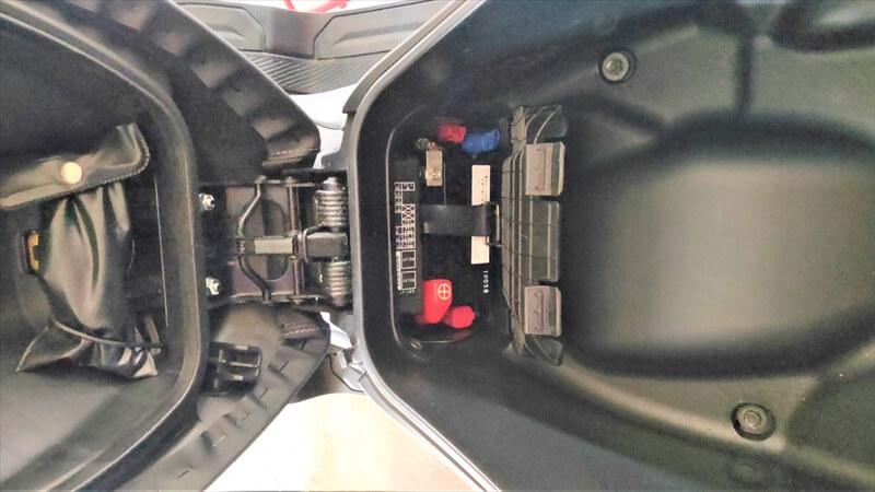 車両配線からACC電源を分岐させる方法