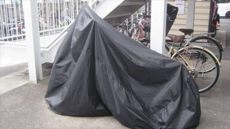 バイクカバーを固定