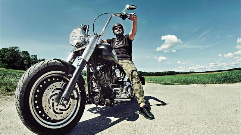 バイク好きに似合うシルバーアクセサリー