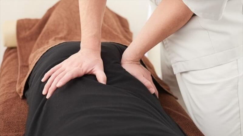 腰痛の痛みを改善する方法