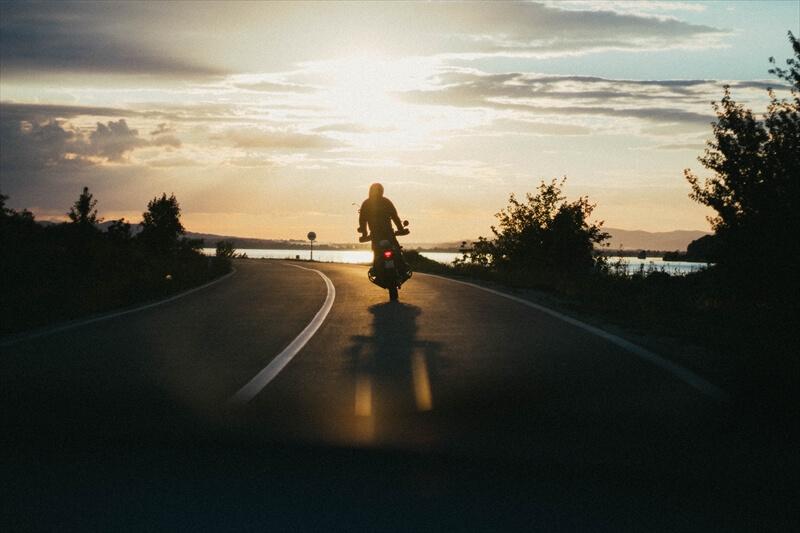バイクでケガレを落とし、ハレの日を迎える