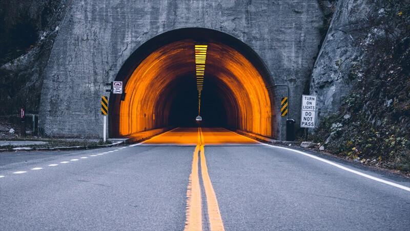 トンネルの怖さを克服する方法