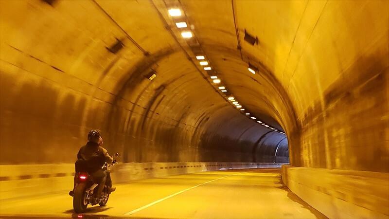 バイクだとトンネルが怖く感じる理由3選!