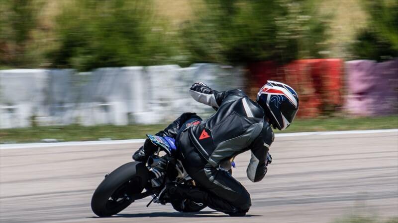 バイクの危険を管理する方法