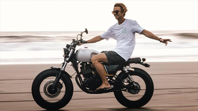 バイクに乗る理由は『バカだから』!