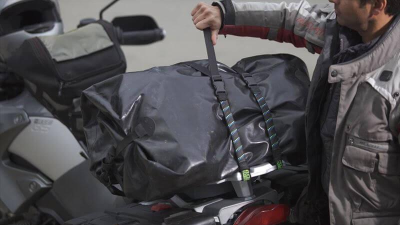 ベルト固定は、荷物を取り出し易い