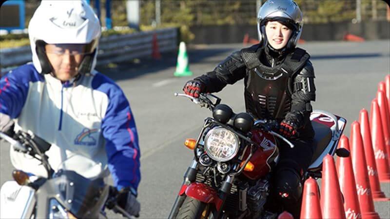 ライディングスクールに参加してバイク仲間を作る