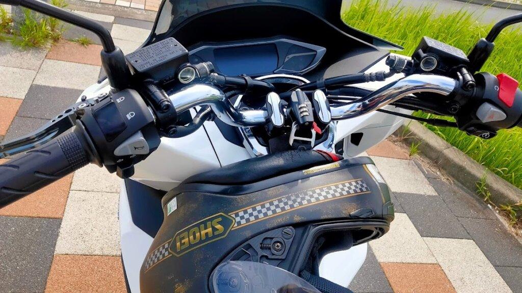 デイトナ ダイヤル式ヘルメットホルダーのインプレ